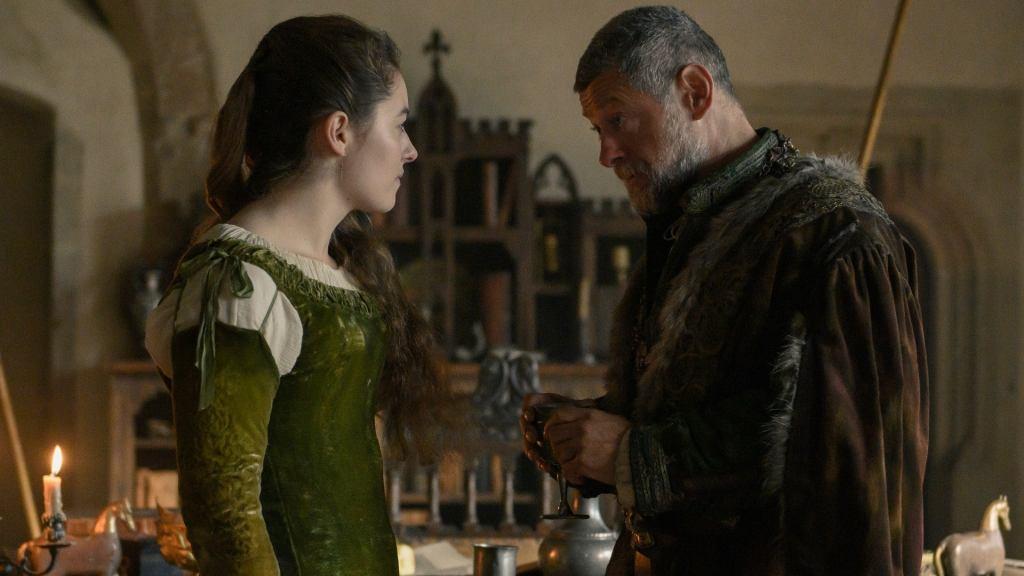 Lavinia e suo padre. Che è pure il padre dell'attrice nella vita reale. Riconoscete Andy Serkis?
