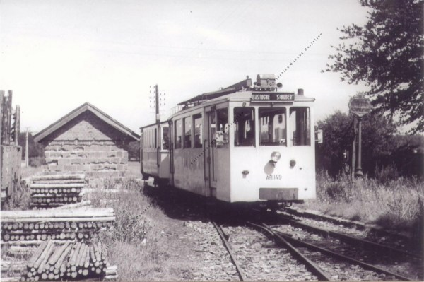 Freux-Suzerain - Le Tram en 1953 - Collection Christian Giboux