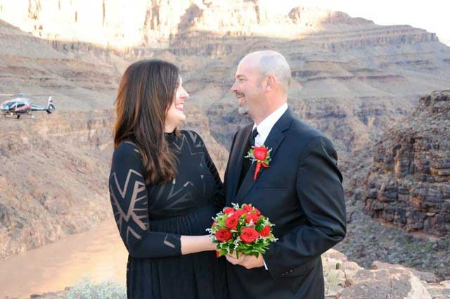 Vegas Wedding Packages include Helicopter-Flight-and-Ceremony-at-Grand-Canyon
