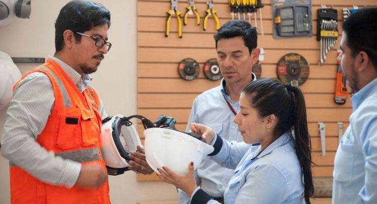 UNACEM inaugura aulas interactivas para disminuir riesgos laborales