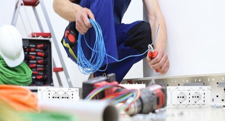 Orientaciones para una auditoría del programa de seguridad eléctrica en el año nuevo