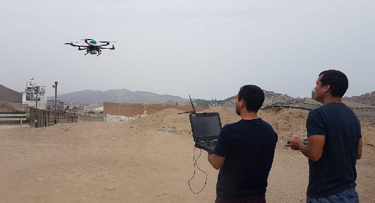 La startup peruana qAIRa mide la calidad del aire en tiempo real usando drones