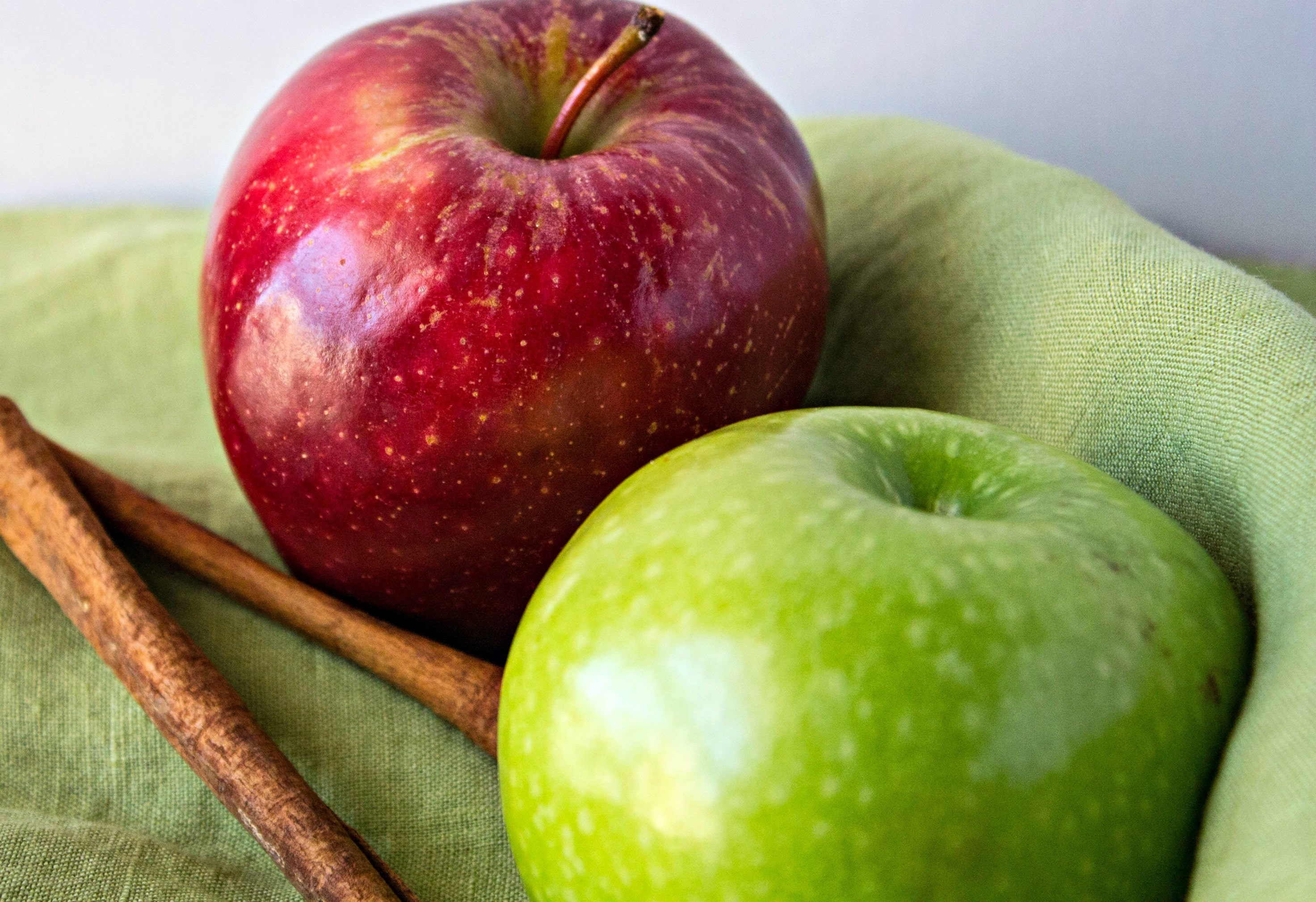 Apples And Cinnamon Sticks