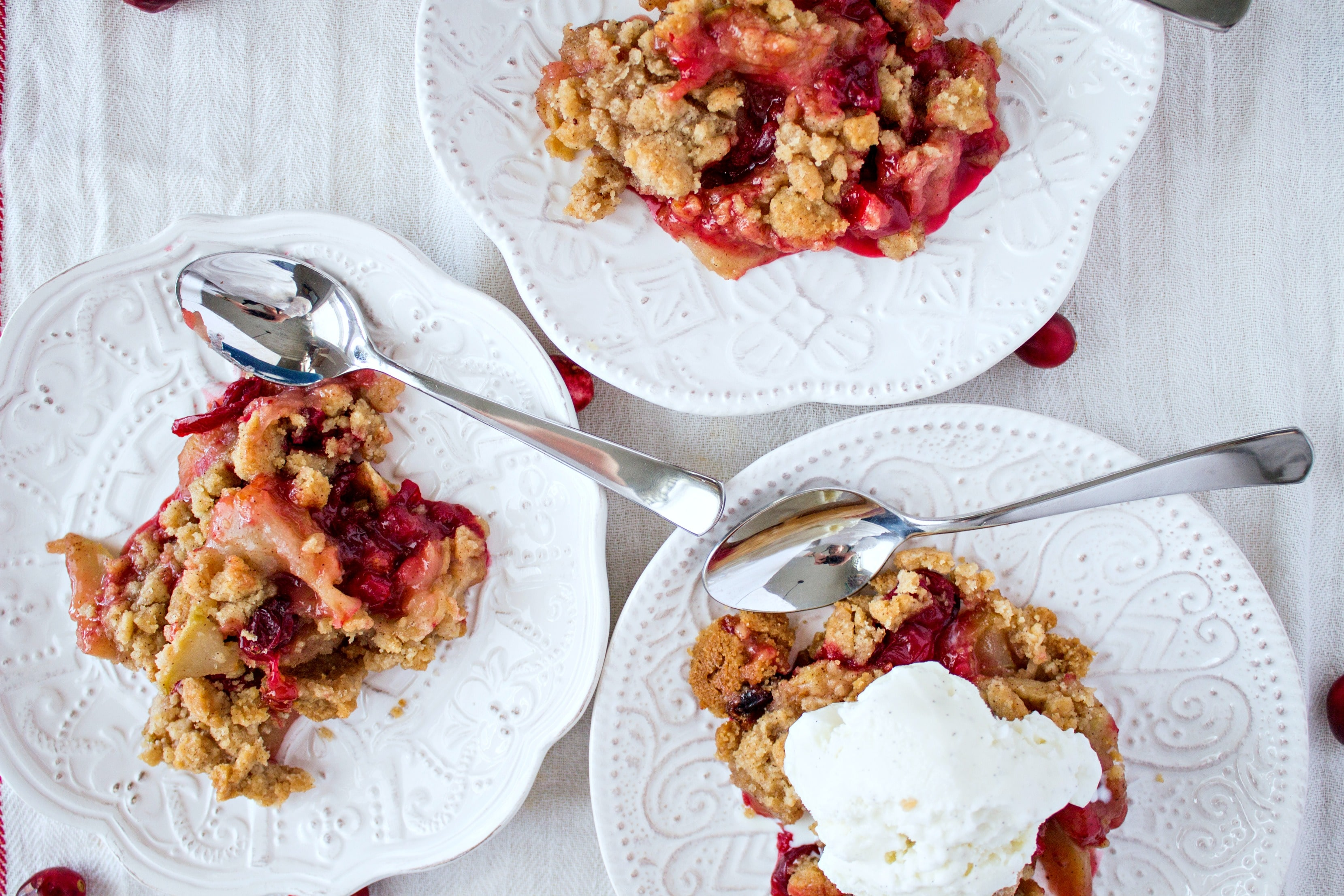 cranberry apple crumble