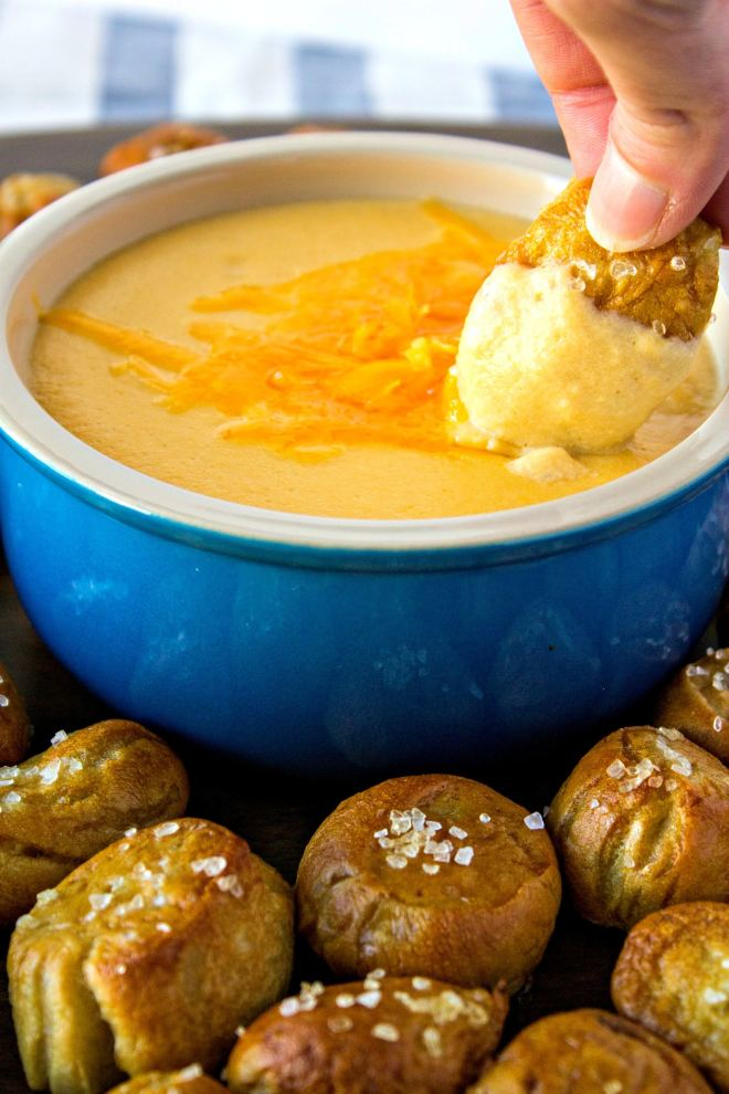 pretzel cheese dip