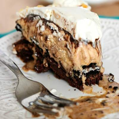 The Ultimate Brownie Sundae Pie
