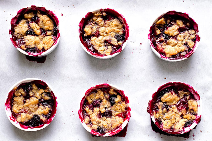 small cups of berry crumbles