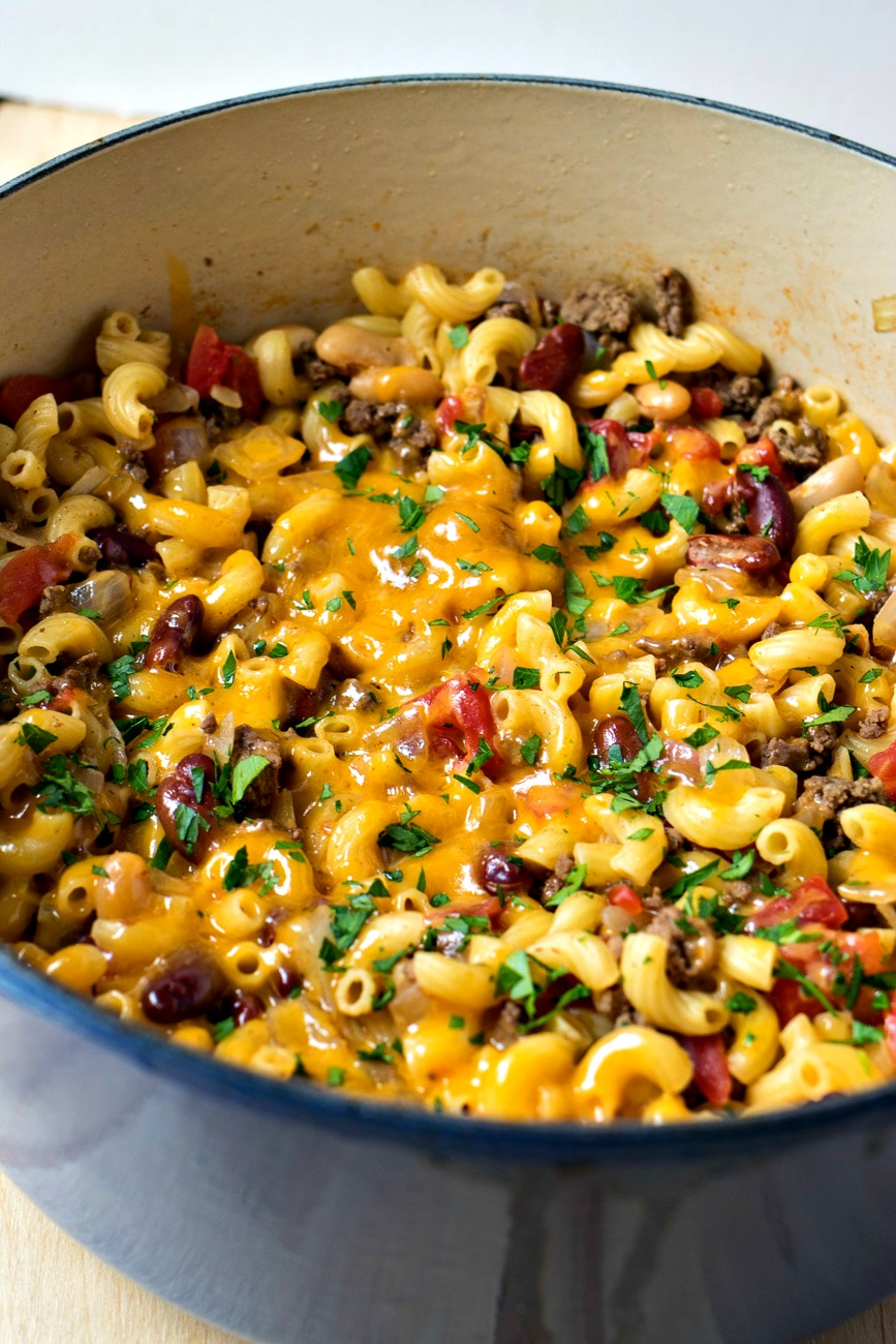 Chili Mac & Cheese - Hearty bean chili is cooked with macaroni and covered with cheese to make for one hearty dish perfect for those cold nights!