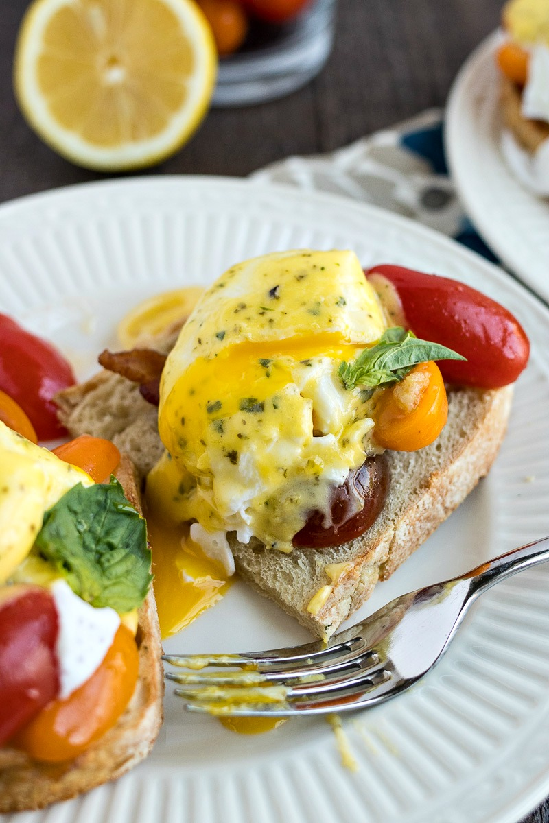 Cutting a BLT Benedict with a fork