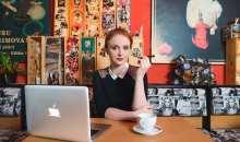 Internetová televize Stream.cz zve na Kafe a cigárko s Marií Doležalovou
