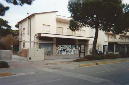 cinema arena pineta chiuso