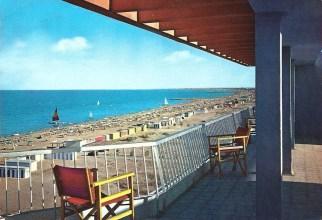 1968, La spiaggia di Milano Marittima vista dall'Hotel Majestic
