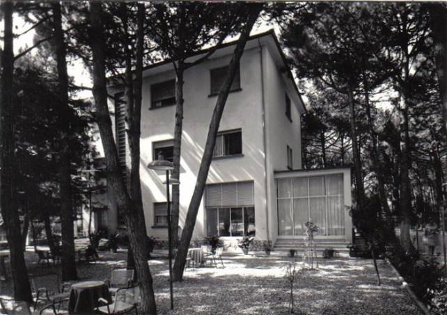 Pensione Savoia - Quarta Traversa, Fam. Savoia (oggi appartamenti e negozi)
