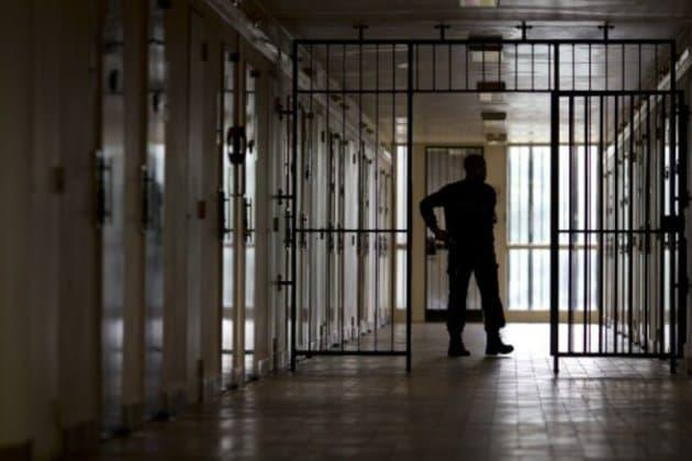 Prisons : les relations surveillants-détenus se résument-elles au maintien de l'ordre ?