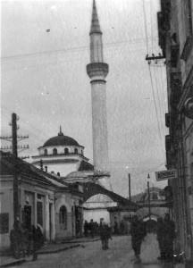 La Mosquée Ferhadija de Banja Luka, Bosnie Herzégovine, en avril 1941