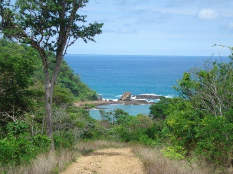 Paradise Bay - Cesi Pagano - Trail