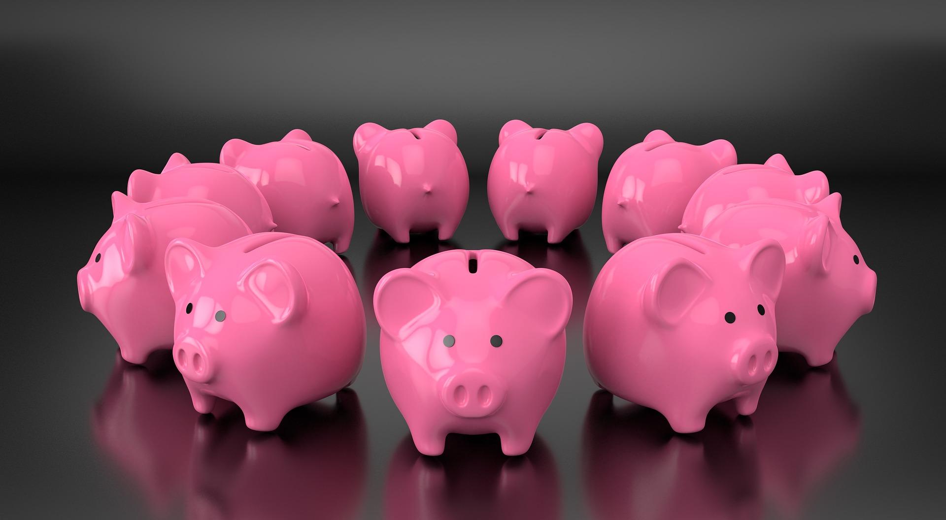 Piggy banks in circle https://quincemedia.com