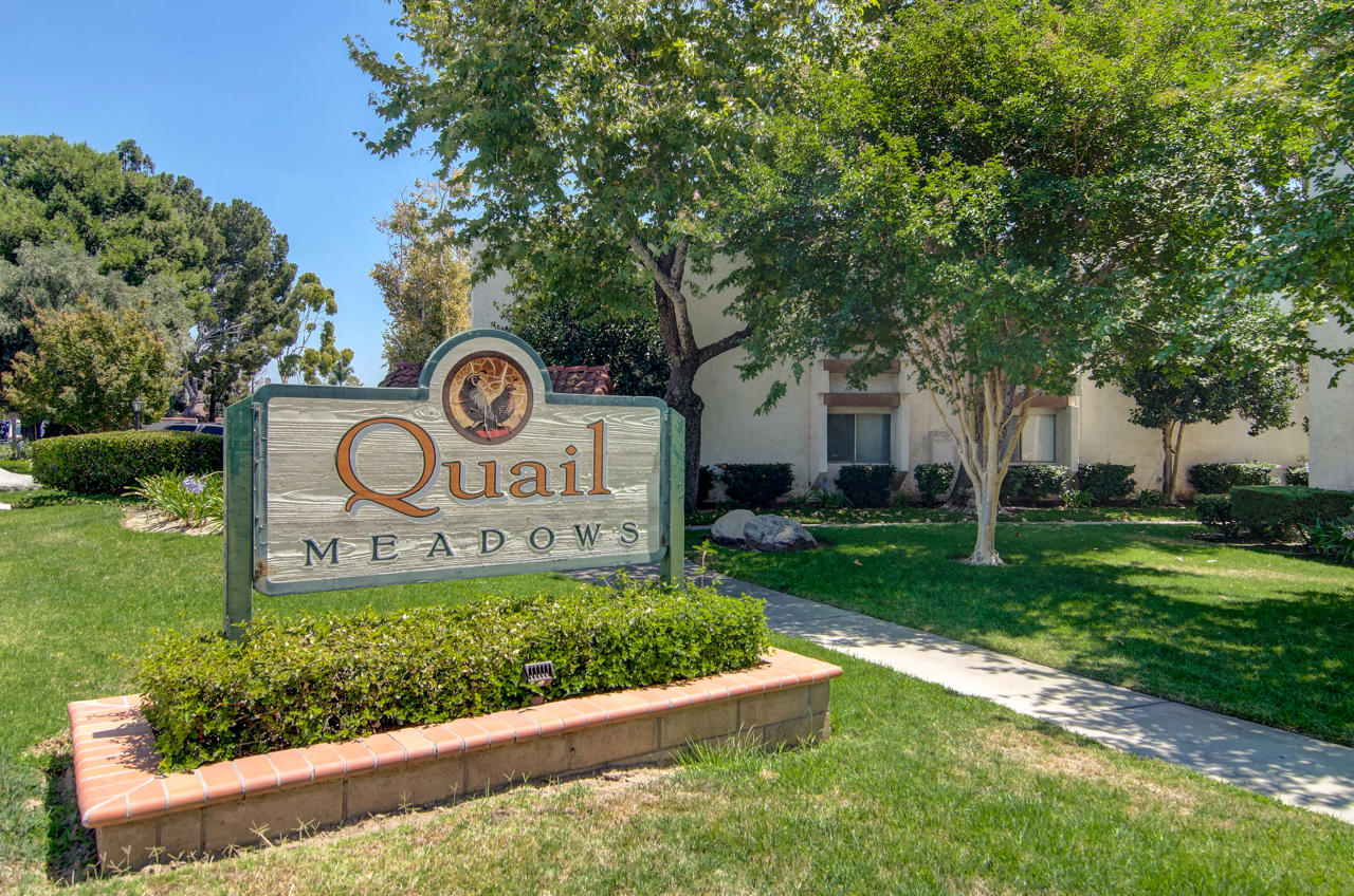 Quail Meadows, Tustin sign