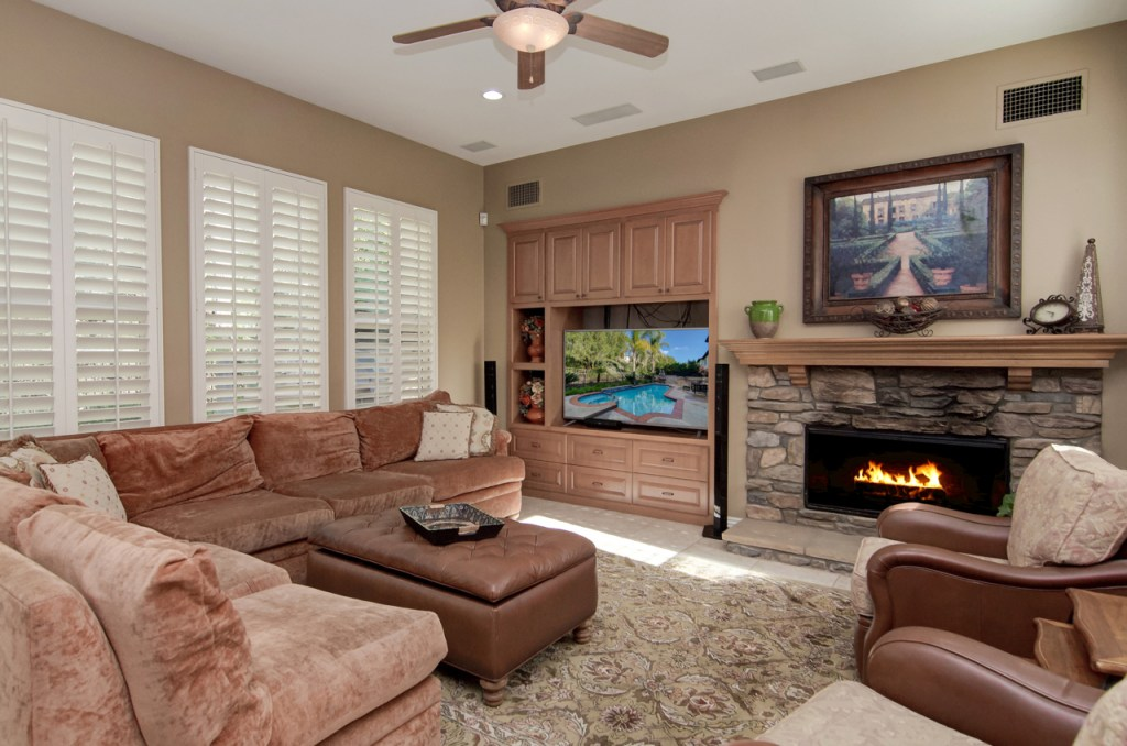 Family Room Aliso Viejo