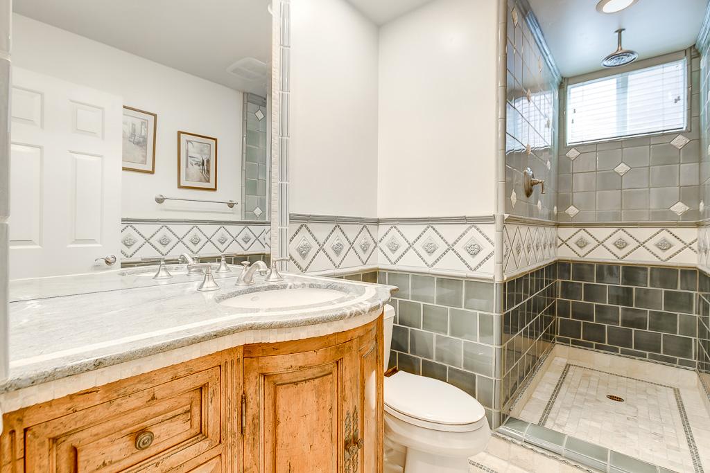 Main Floor Bath Aliso Viejo
