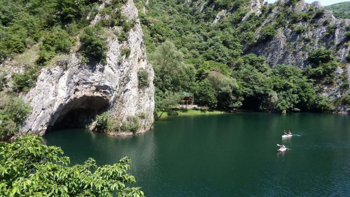 Matka Kanyonu makedonya gezilecek yerler Makedonya Gezilecek Yerler Matka Kanyonu 696x392