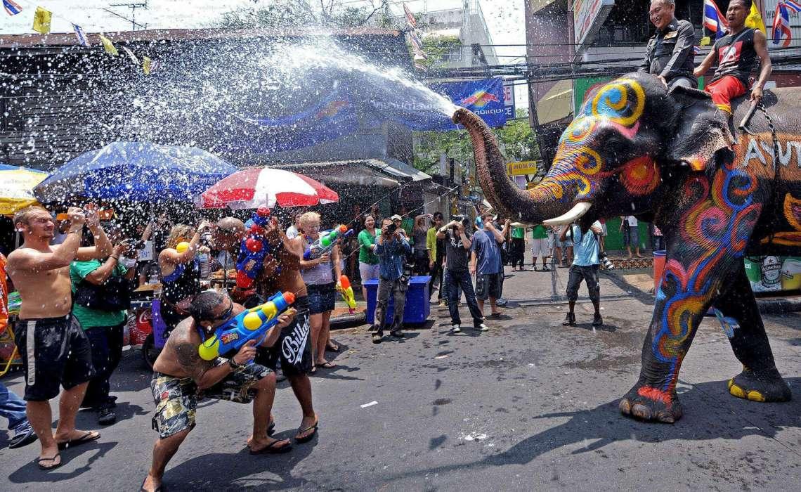 [object object] Nisan Ayında Gidilecek Yerler Tayland Songkran Festivali
