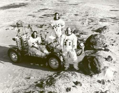 Por que não retornamos à Lua?