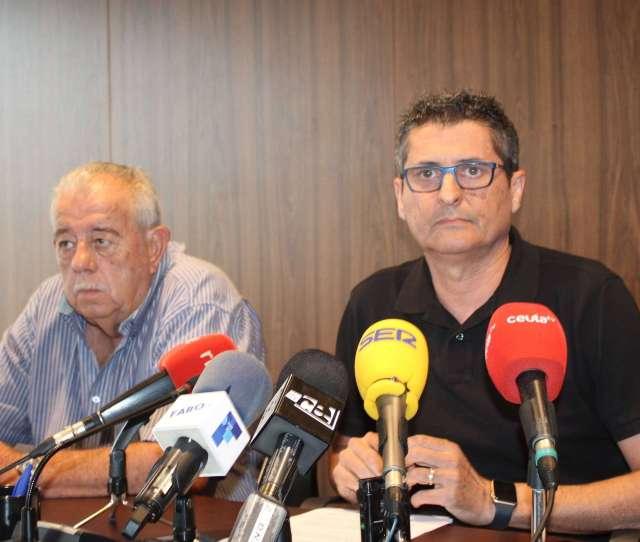 El Presidente De La Ffce Garcia Gaona A La Derecha Durante