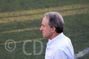 Álvaro Pérez regresa al banquillo tras cumplir dos partidos de sanción