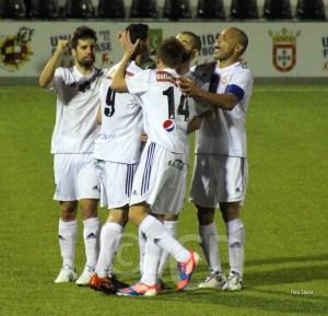 El equipo de Pérez celebra uno de los nueve goles marcados en el estadio