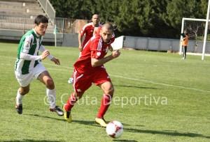 El equipo ceutí apenas inquietó al meta del Córdoba 'B' Sillero