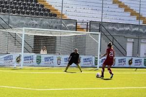 Lorena Bocanegra procede del Sporting de Huelva y jugó la segunda parte contra la AD El Naranjo