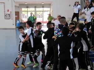 Los ceutíes celebran uno de sus goles de su estreno en el Nacional