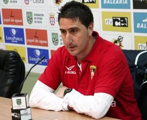 Jordi Vázquez, entrenador del Ayamonte, en la sala de prensa del Alfonso Murube