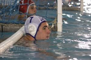 Paco Molina, aún no recuperado del todo de su lesión, ha forzado para ayudar al Caballa