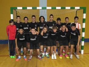 Jugadores infantiles que participaron en la primera sesión de la escuela de tecnificación de fútbol sala