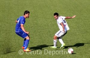Ale Hornillo,  ante Ernesto, en el partido del pasado domingo en el Murube