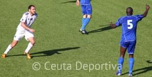 Antonio Prieto, en un lance del partido del pasado domingo ante el CD Alcalá