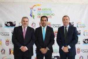 Márquez Salinas, junto al subdirector general de Deporte, Manuel Coronado; y el consejero del área, Premi Mirchandani