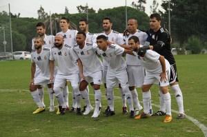 El Atlético de Ceuta compitió esta temporada con la indumentaria y el escudo de la AD Ceuta