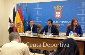Un momento de la rueda de prensa de presentación de la Campaña de Verano 2013 del ICD
