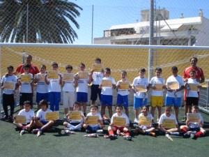 Los alumnos de la escuela de fútbol 8 del ICD recibieron sus diplomas