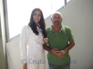 Blanca Gallego, que se incorporó a la escuela en este curso, recibió un colgante con un sable