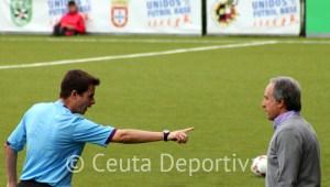 Morgan Montes se dirige a Álvaro Pérez en el partido de la temporada pasada ante el Cádiz B