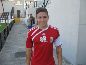 El jugador ceutí entiende que la AD Ceuta FC tiene plantilla para luchar por el play off de ascenso