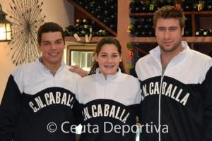 Vicente junto a Lorena Miranda y Guillermo Molina, dos campeones del mundo de waterpolo