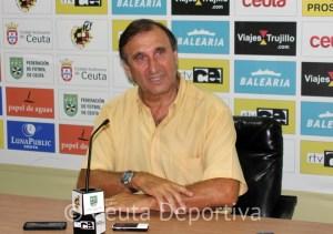 José Antonio Asián, durante su intervecnión en la sala de prensa del Alfonso Murube