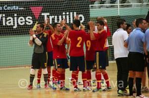 Los jugadores españoles agradecieron el apoyo de los ceutíes en los dos partidos y se marcharon encantados de la ciudad