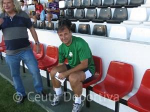 José Antonio Asián está contento con la plantilla que tiene, pero quedan fichas libres que se podrían cubrir
