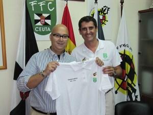 Antonio García Gaona junto al propietario en Ceuta de Outlet Magratex Remy Graziano